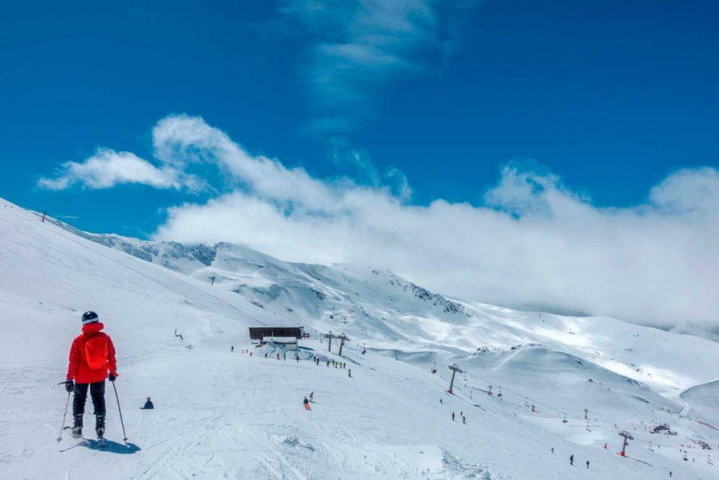 Esquiando en Pradollano Sierra Nevada, Granada